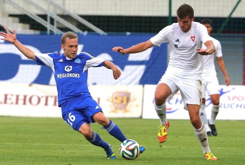 Bartłomiej Babiarz i Pascal Schurpf z FC Vaduz /Marek Zimny /PAP