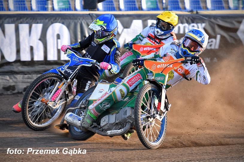 Bartłomiej Kowalski (na pierwszym planie) /Przemysław Gąbka /Flipper Jarosław Pabijan