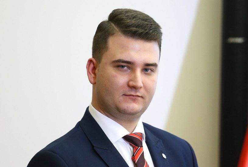 Bartłomiej Misiewicz już wkrótce na ekranach telewizyjnych /Mariusz Grzelak /Reporter