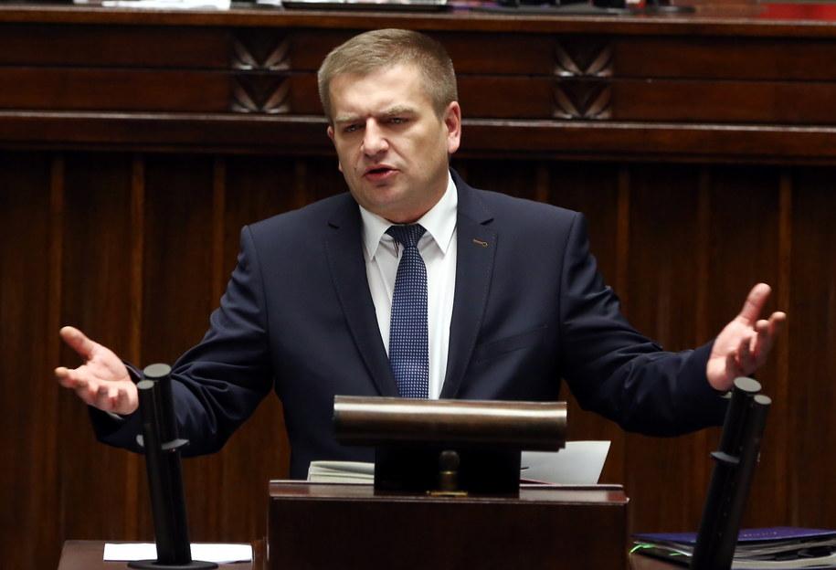 Bartosz Arłukowicz przemawia w Sejmie /Tomasz Gzell /PAP