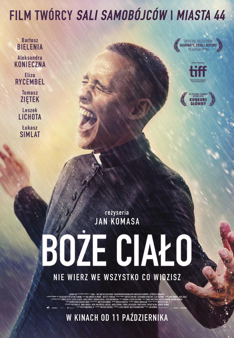"""Bartosz Bielenia na plakacie filmu """"Boże Ciało /Kino Świat /materiały dystrybutora"""