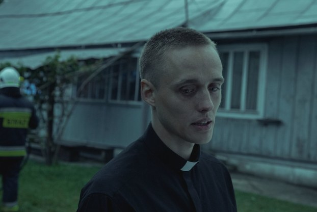 """Bartosz Bielenia na planie """"Bożego Ciała"""" /Andrzej Wencel/Aurum Films /Materiały prasowe /"""