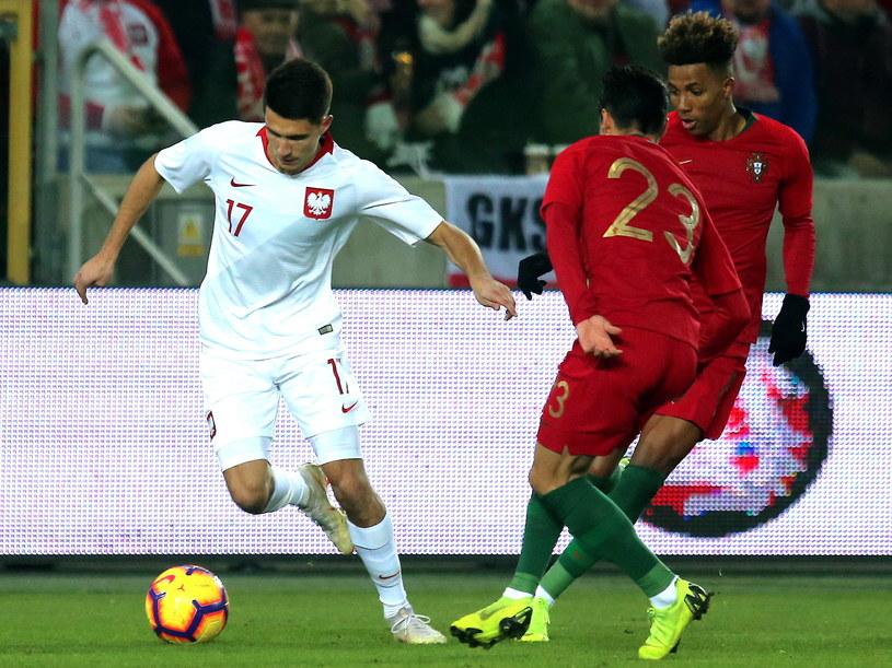 Bartosz Kapustka (z lewej) w meczu z Portugalią / Andrzej Grygiel    /PAP