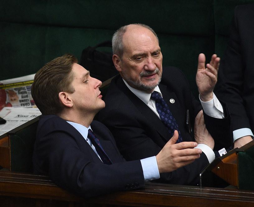 Bartosz Kownacki i Antoni Macierewicz /fot.Adam Chelstowski /Agencja FORUM