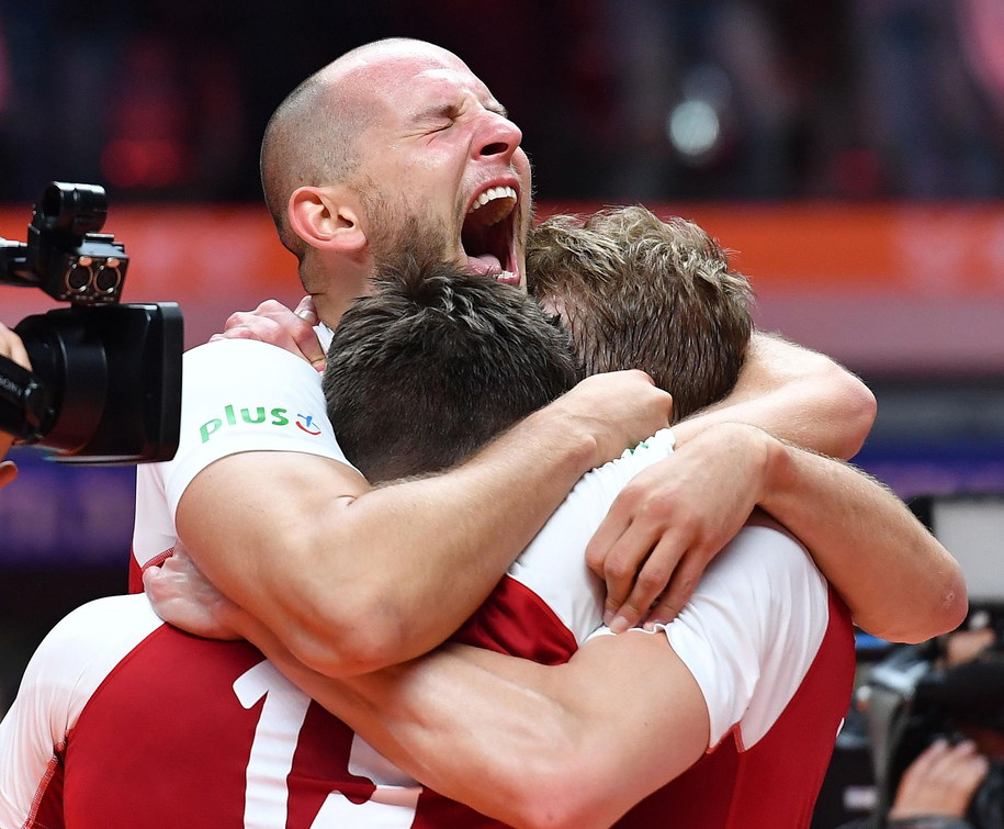 Bartosz Kurek cztery lata temu został wyrzucony z kadry. Dziś jest MVP mistrzostw świata / Maciej Kulczyński    /PAP