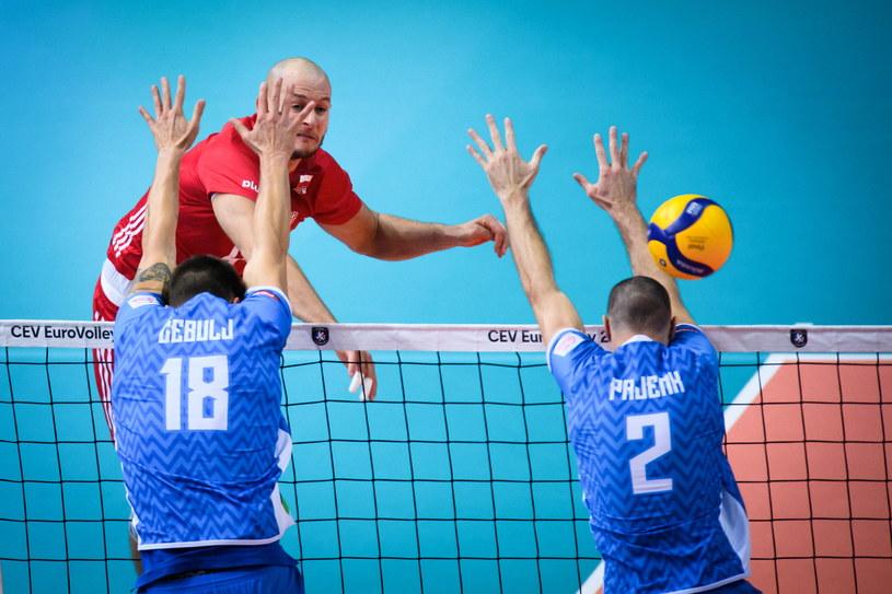 Bartosz Kurek w meczu ze Słowenią /www.cev.eu