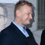 Bartosz Żukowski na imprezie jubileuszowej serialu. Choć na chwilę zapomniał o kłopotach?