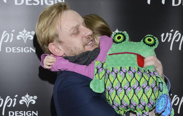 Bartosz Żukowski z córką /Jarosław Antoniak /MWMedia
