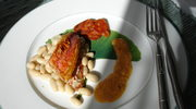 Barwena z biala fasola, sos z chorizo