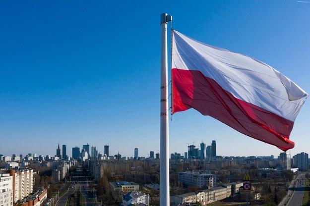 Barwy polskiej flagi nie są przypadkowe. / Leszek Szymański    /PAP