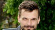 """""""Barwy szczęścia"""": Sebastian Cybulski pięć lat temu odszedł z serialu. Czy żałuje?"""