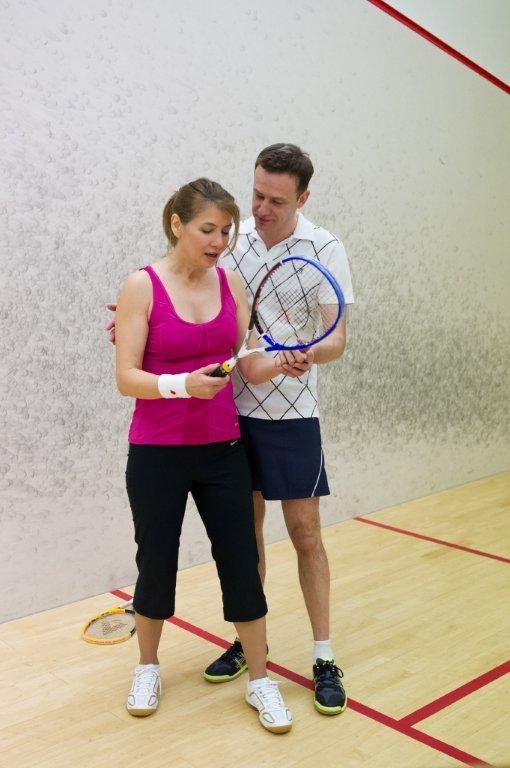 Basia i Smolny grają w squasha. /TVN
