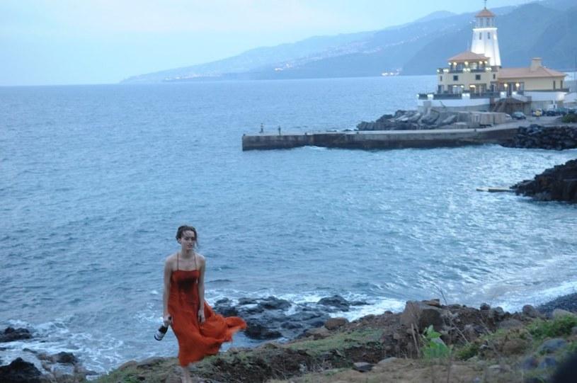 Basia (Katarzyna Maciąg) została na Maderze porzucona przez chłopaka... /Agencja W. Impact