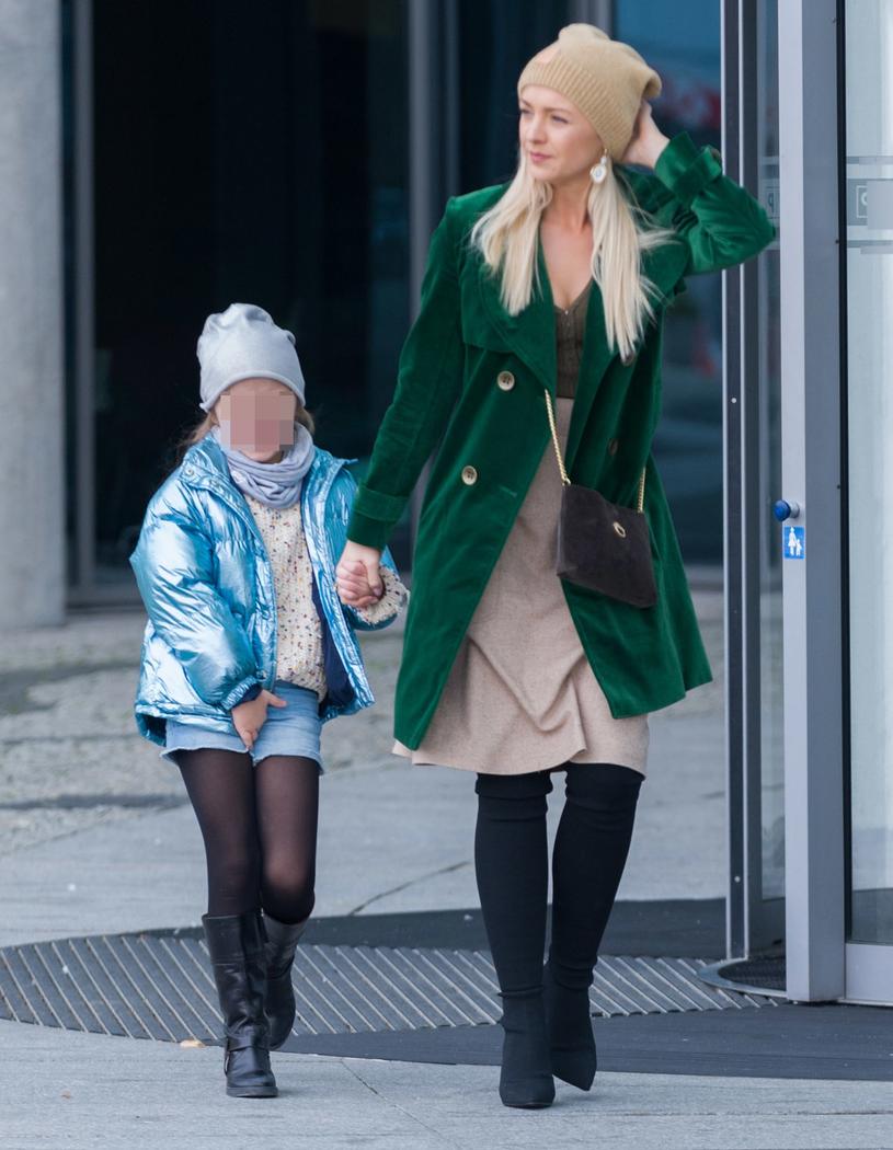 Basia Kurdej-Szatan z córką Hanią /Artur Zawadzki/REPORTER /Reporter