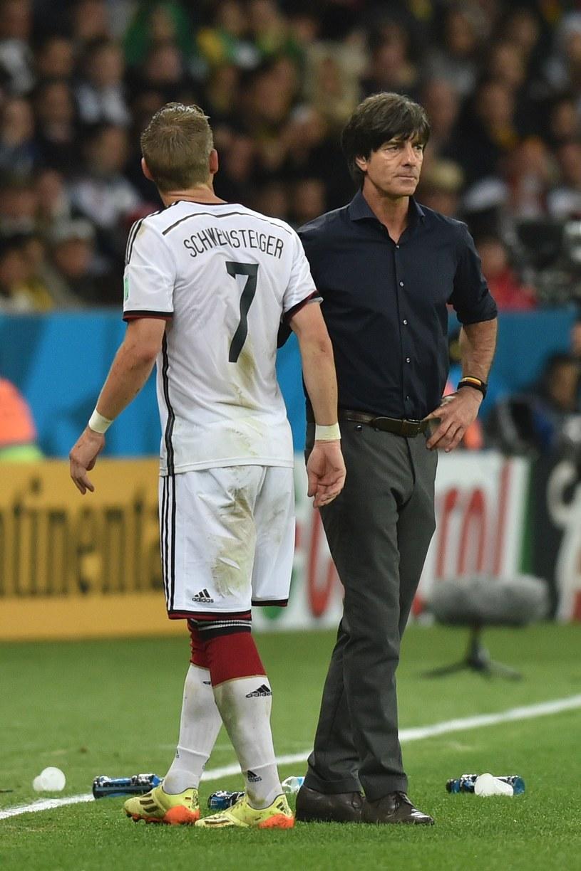 Bastian Schweinsteiger i trener Joachim Loew /AFP