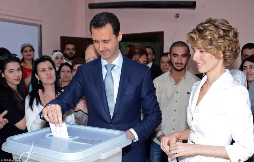 Baszar z żoną w czasie ostatnich wyborów prezydenckich /East News