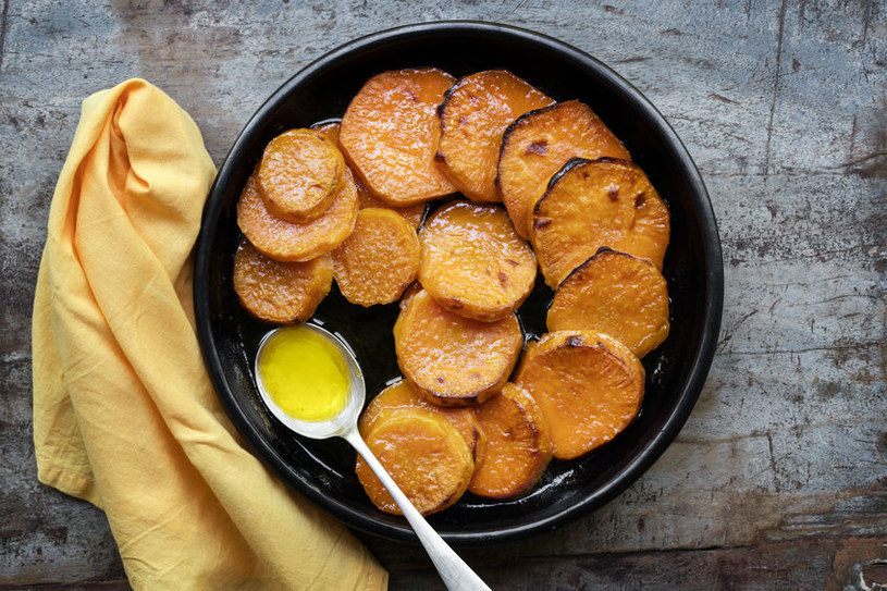 Bataty - słodkie ziemniaki /©123RF/PICSEL