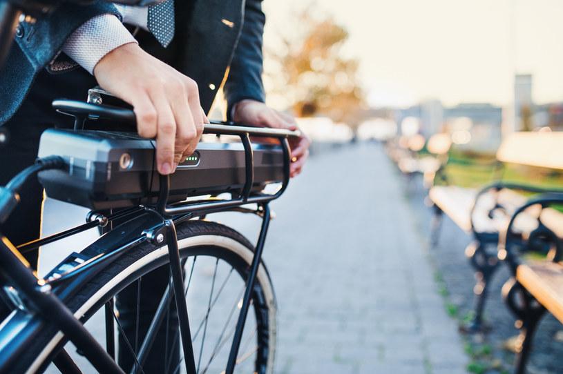 Bateria to najważniejszy punkt roweru /123RF/PICSEL