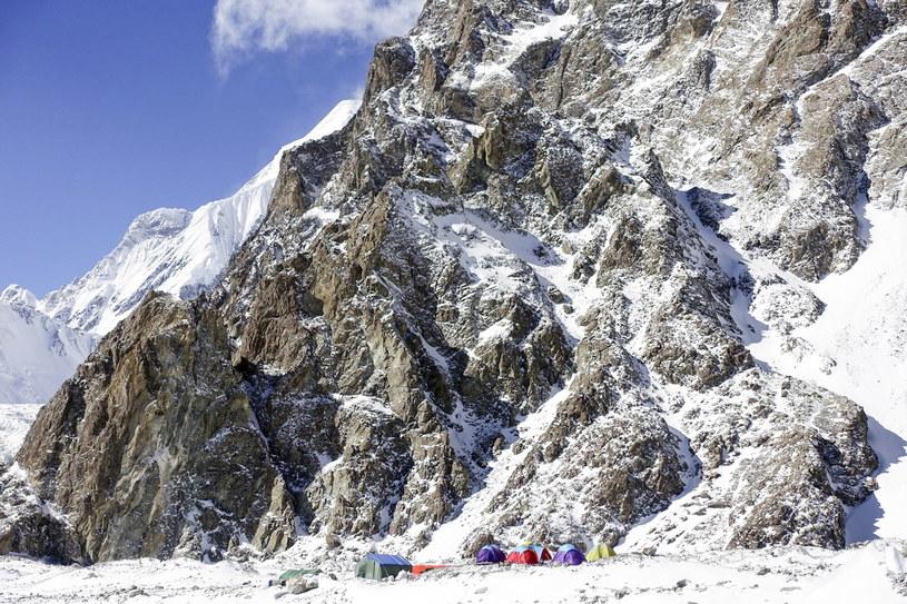 Baza zimowej wyprawy narodowej na niezdobyty zimą szczyt K2 /Piotr Snopczyński  /PAP