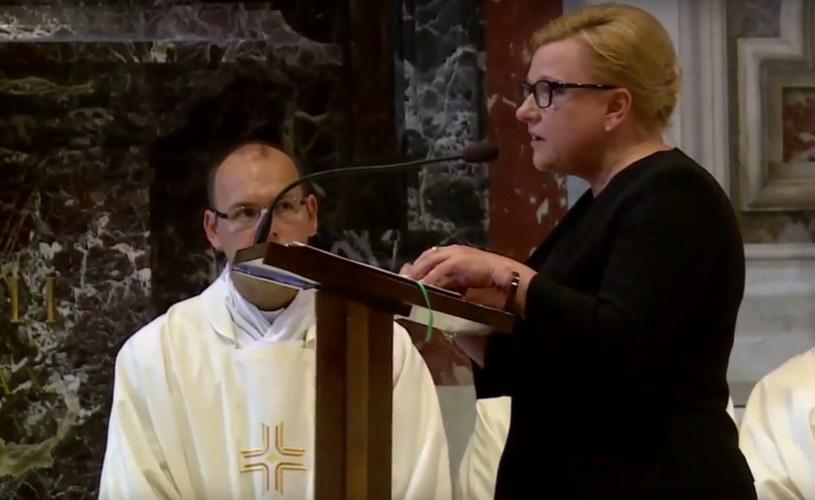 Beata Kempa śpiewa w Watykanie /TVN24 /