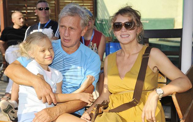 Beata Ścibakówna i Jan Englert z córką Heleną, fot.Niemiec  /AKPA