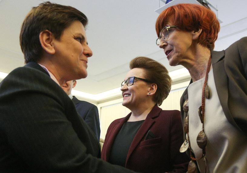 Beata Szydło, Anna Zalewska i Elżbieta Rafalska /Michał Dyjuk /Agencja FORUM