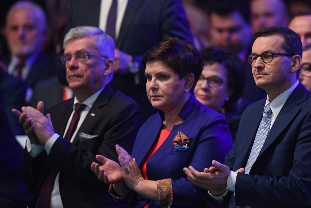 Beata Szydło (C), Mateusz Morawiecki (P) oraz Stanisław Karczewski (L) /PAP