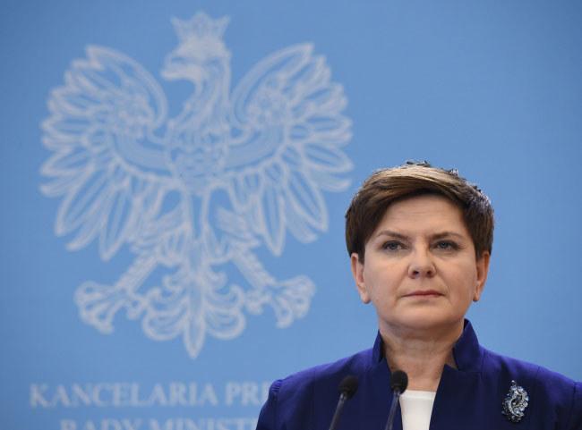 """Beata Szydło chce przeciwdziałać """"prawdziwym przyczynom"""" kryzysu migracyjnego /Radek Pietruszka /PAP"""