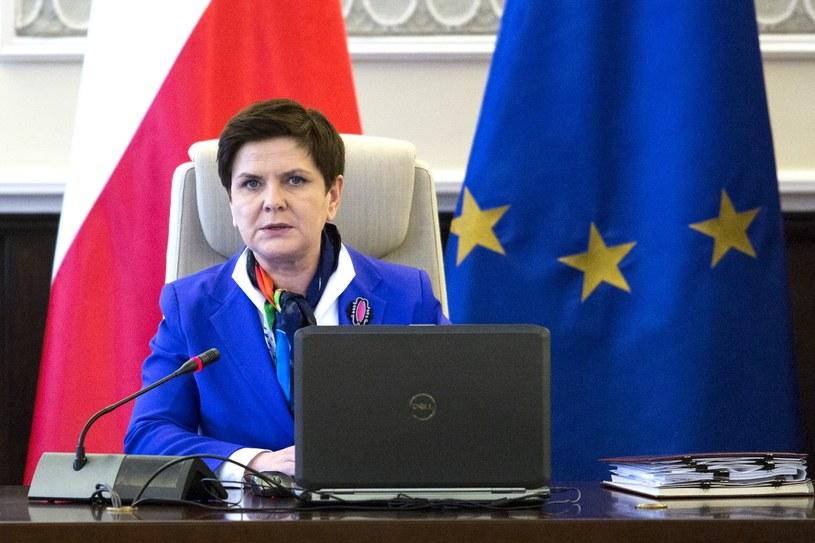 Beata Szydło dziś po południu leci do Brukseli /Andrzej Hulimka  /Reporter