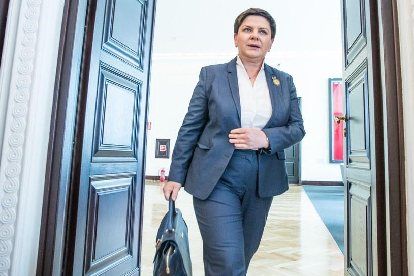 Beata Szydło hojnie obdarowywała nagrodami siebie i ministrów /Aleksandra Szmigiel /Reporter