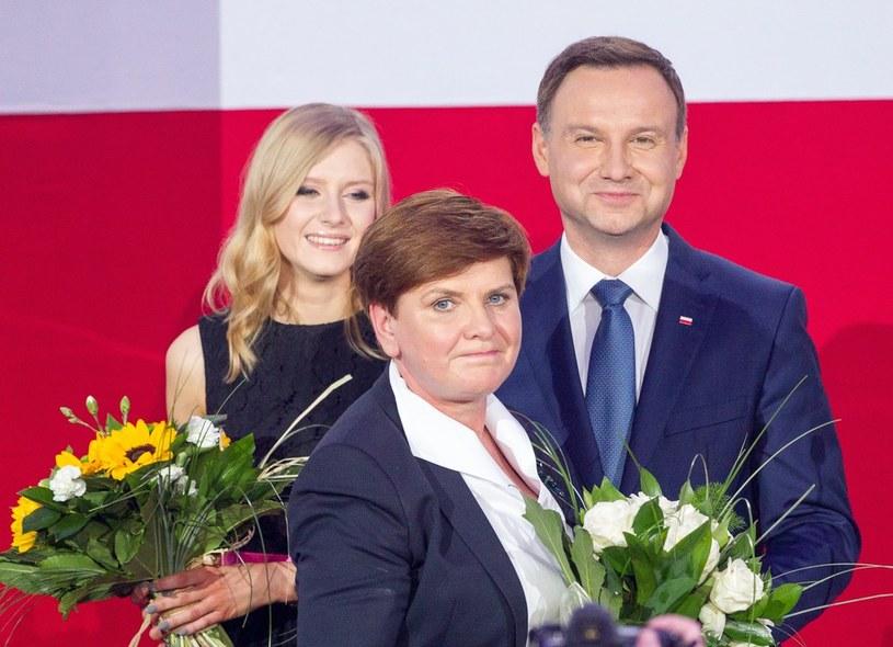 Beata Szydło i Andrzej Duda z córką /Andrzej Iwańczuk /Reporter