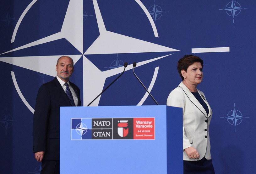 Beata Szydło i Antoni Macierewicz /Radek Pietruszka /PAP