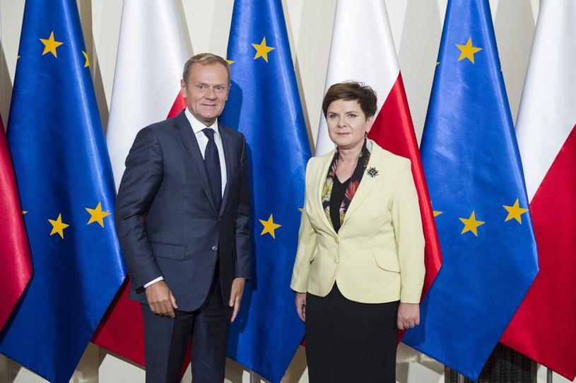 Beata Szydło i Donald Tusk /Jacek Domiński /Reporter