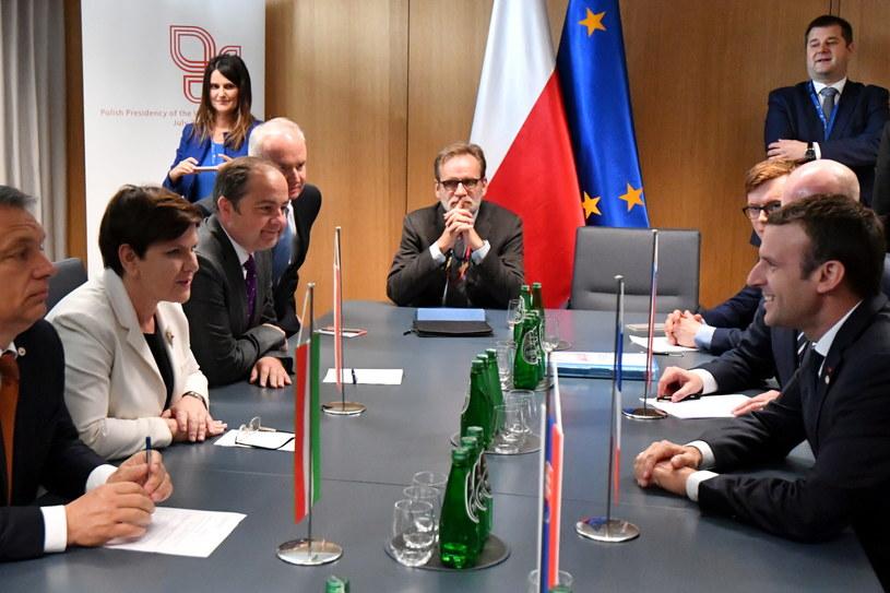 Beata Szydło i Emmnuel Macron na spotkaniu Francja-V4 /Bartłomiej Zborowski /PAP