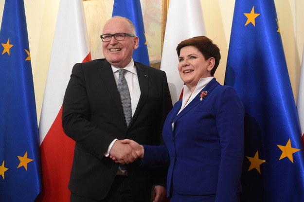 Beata Szydło i Frans Timmermans przed spotkaniem w KPRM /Radek Pietruszka /PAP