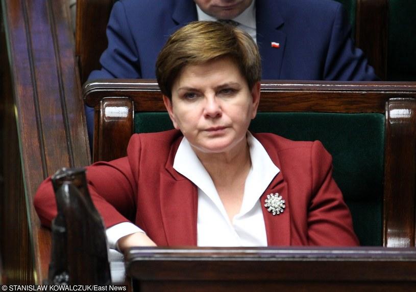 """Beata Szydło - """"kobieta o stalowym wzroku, jaki spotyka się u wykładowców akademii FSB"""" /STANISLAW KOWALCZUK /East News"""