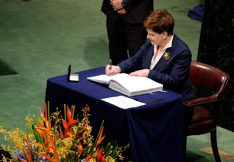Beata Szydło podpisała paryskie porozumienie klimatyczne /Jacek Turczyk /PAP