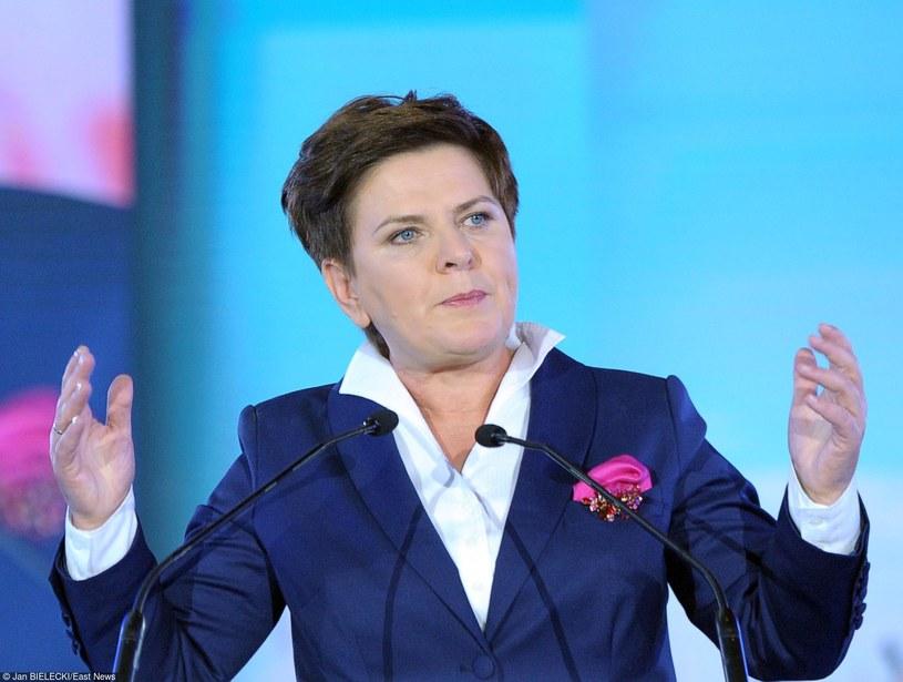 Beata Szydło prezentowana była w trakcie kampanii jako kandydatka PiS na premiera. Czy jej rząd spełni dane obietnice? /Jan Bielecki /East News