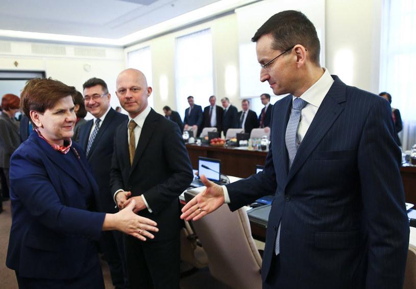 Beata Szydło w sprawach gospodarczych akceptuje drugorzędną rolę w stosunku do Mateusza Morawieckiego - uważa ekspert /Rafał Guz /PAP
