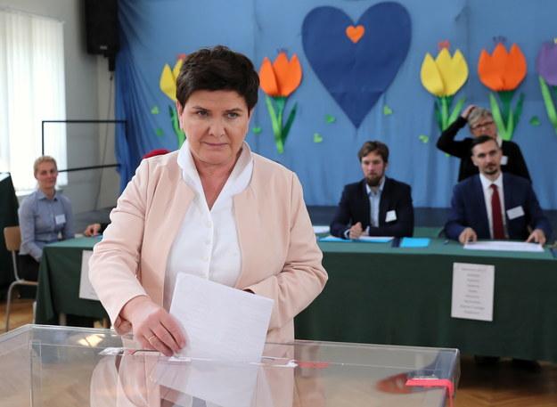 Beata Szydło z najlepszym wynikiem w kraju - poparło ją 525 tys. osób / Andrzej Grygiel    /PAP
