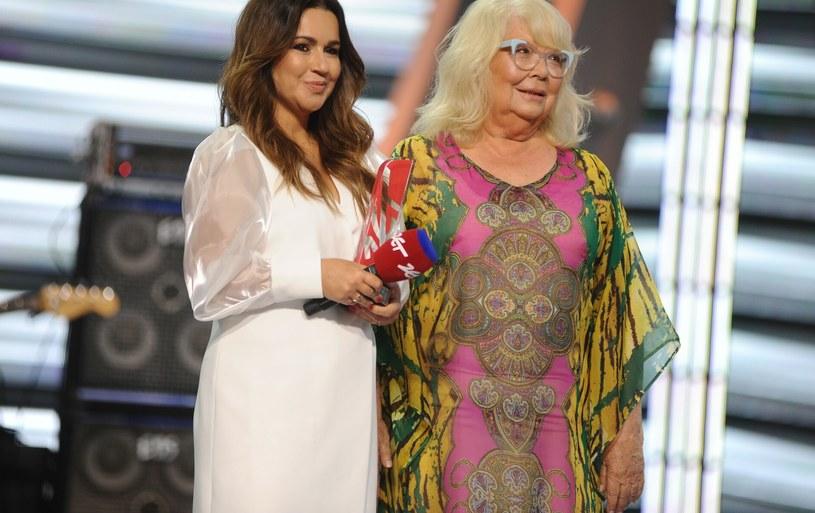 Beata Tadla olśniewa na Polsat SuperHit Festiwal w Sopocie! Gwiazda dosłownie emanuje blaskiem /VIPHOTO /East News