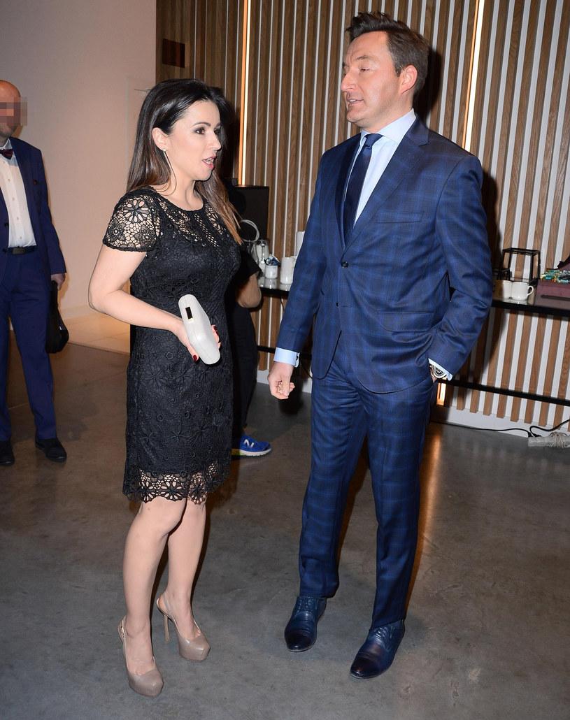 Beata Tadla z przyjacielem /East News