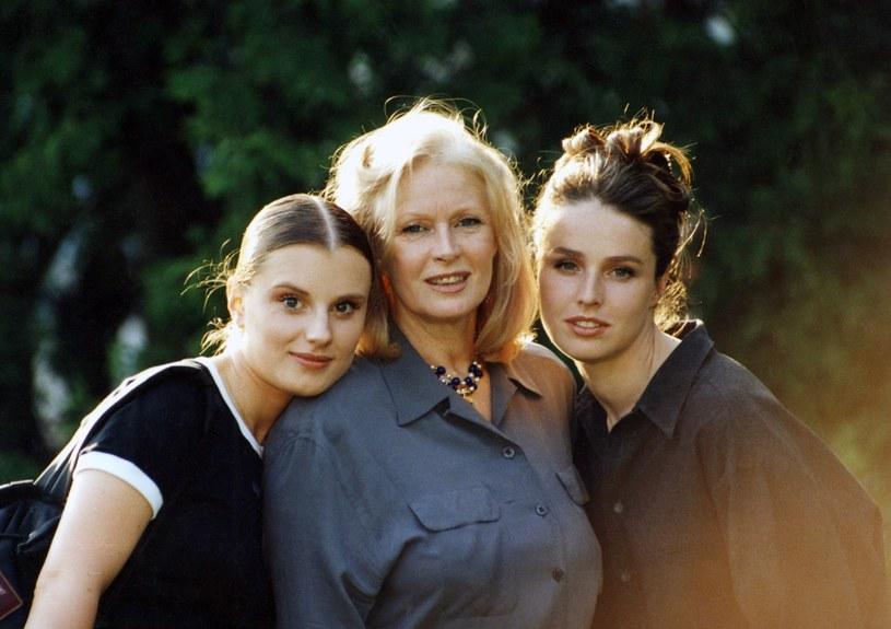 Beata Tyszkiewicz z córkami: Wiktorią i Karoliną /Zenon Zyburtowicz /East News