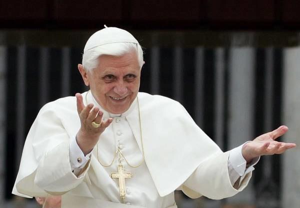 Beatyfikacji przyszłych świętych dokonał Jan Paweł II, kanonizacji dokona Benedykt XVI /AFP