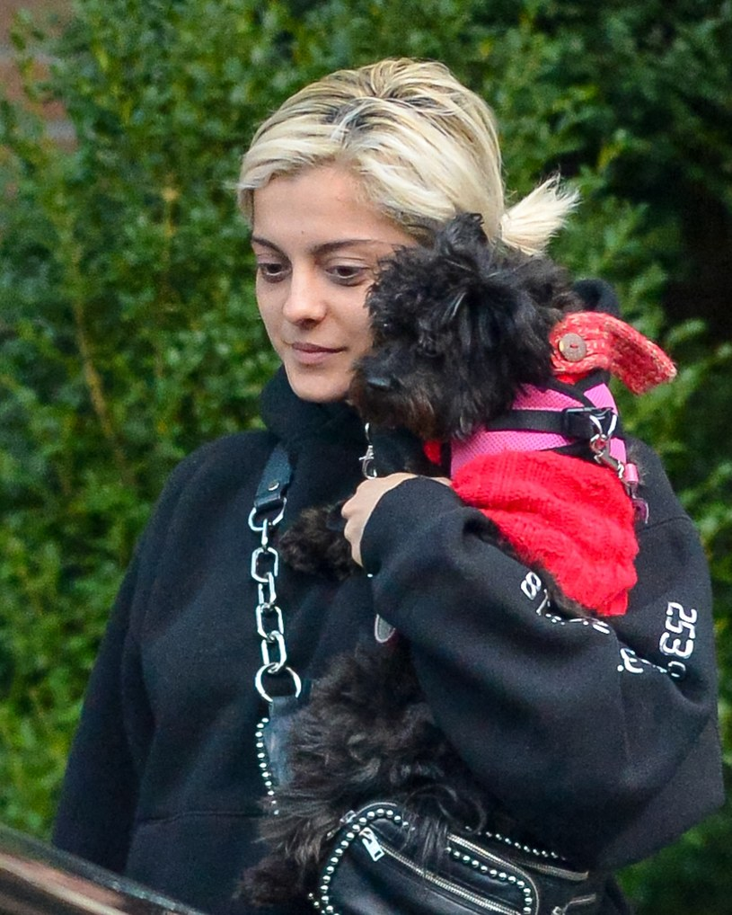 Bebe Rexha na spacerze /Splash News /East News