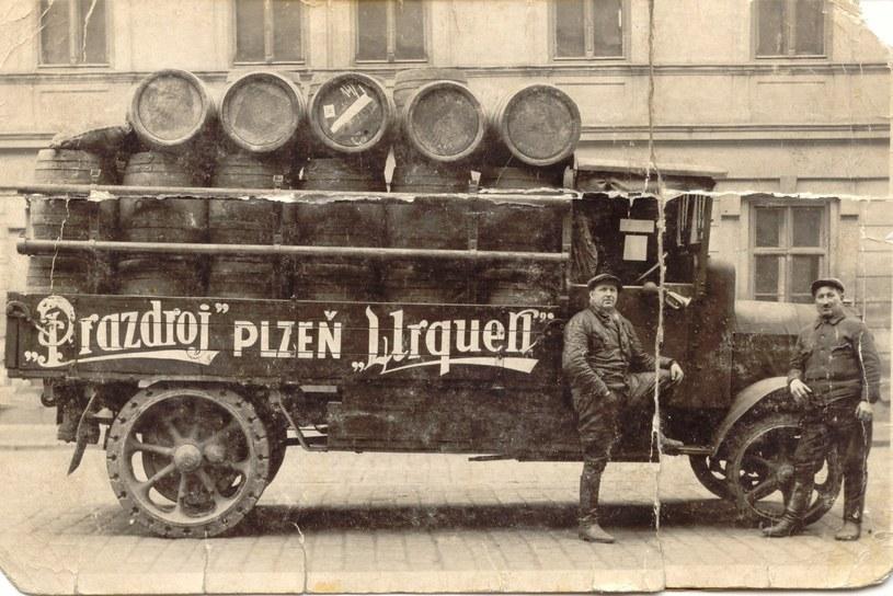 Beczki produkowane dziś niewiele różnią się od tych używanych na początku XX wieku /Archiwum Pilsner Urquell /materiały prasowe