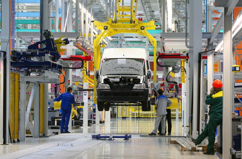 Będą rosnąć produkcja i zatrudnienie w polskiej motoryzacji /123RF/PICSEL