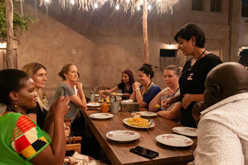 Będąc w Dubaju, warto wybrać się na oprowadzanie po lokalnych restauracjach /materiały prasowe