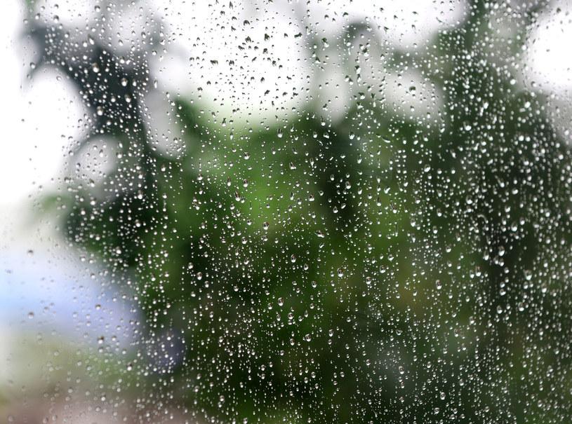 Będzie ciepło, ale raczej deszczowo /123RF/PICSEL
