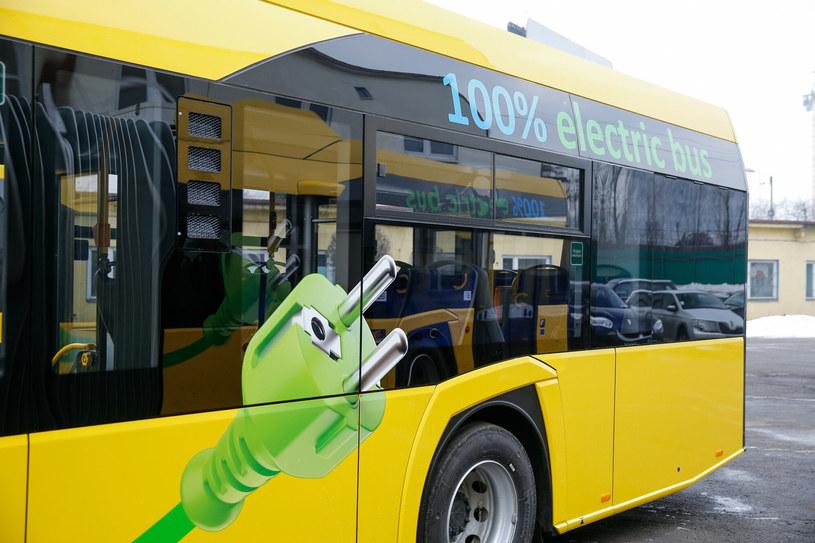 Będzie dwa razy więcej autobusów zeroemisyjnych. /Tomasz Kawka /East News